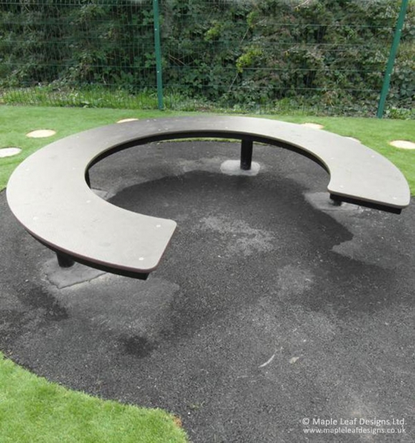 Horseshoe Bench