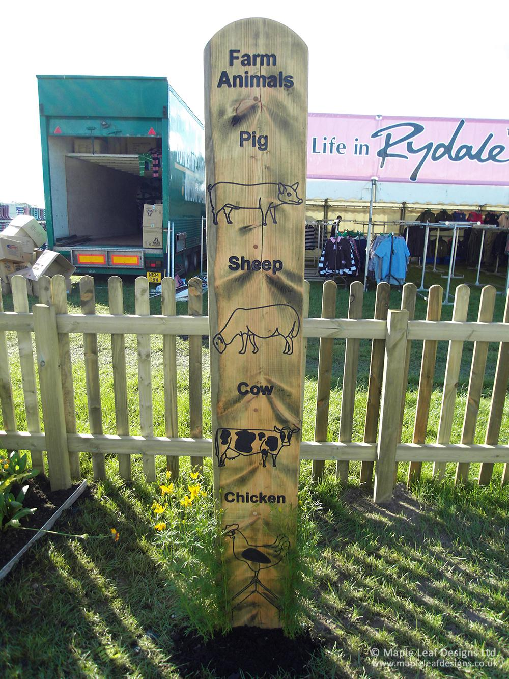 Farm Animals Totem Pole Maple Leaf Designs