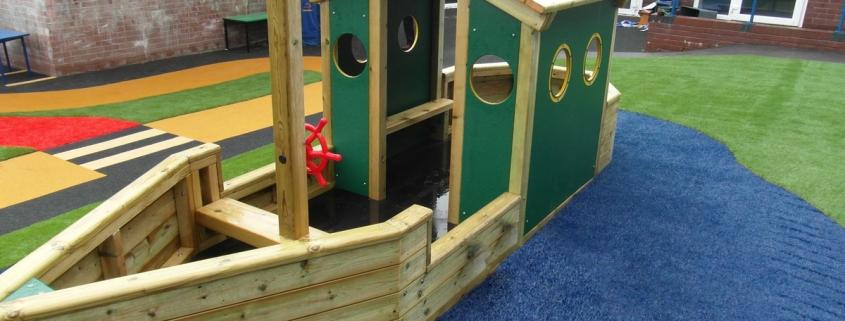 Sir-Lawrence-Play-Boat_1_web