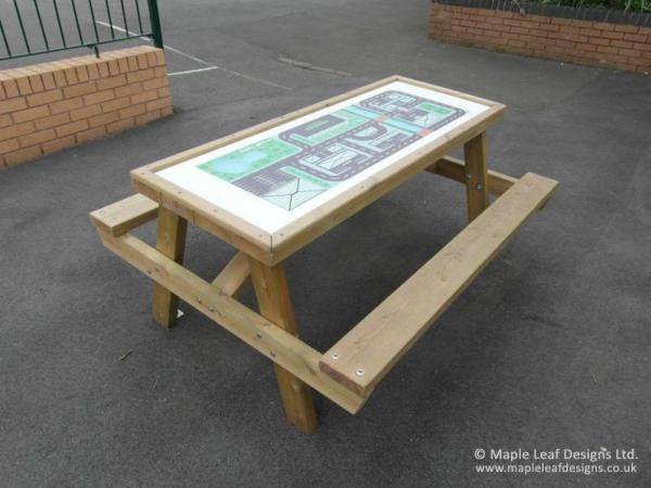 Theme Top Picnic Table